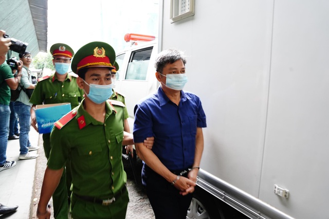 Cựu Phó Chủ tịch TPHCM Nguyễn Thành Tài lĩnh án 8 năm tù - 5